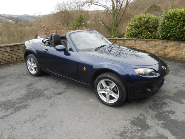 Mazda MX5  1.8 Roadster Coupe