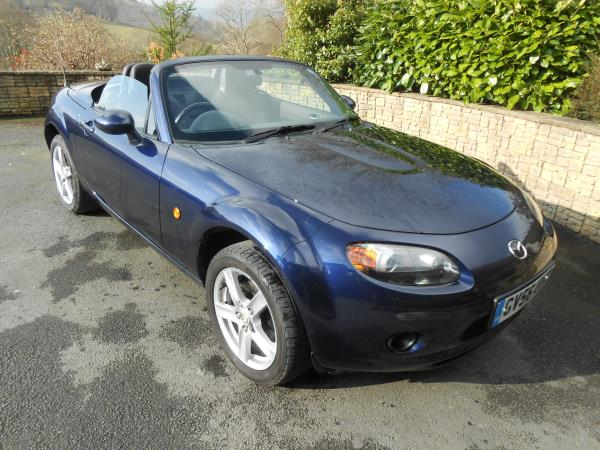 Madza  MX-5 1.8  Roadster with Option Pack